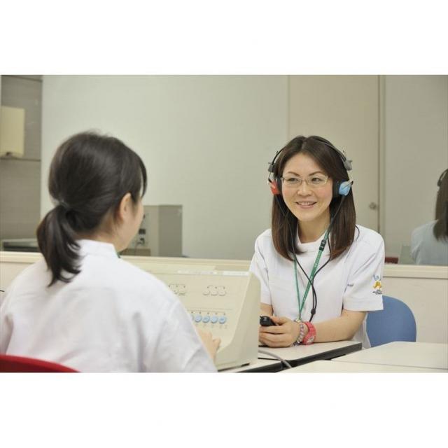 多摩リハビリテーション学院専門学校 リハビリは勉強?~言語聴覚士の扱う検査を体験~2