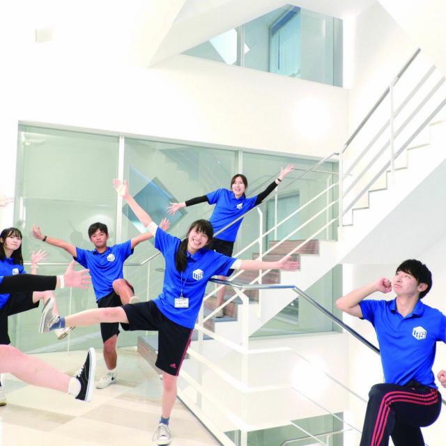 福岡リゾート&スポーツ専門学校 【グループエクササイズ体験】みんなで体を動かそう☆3