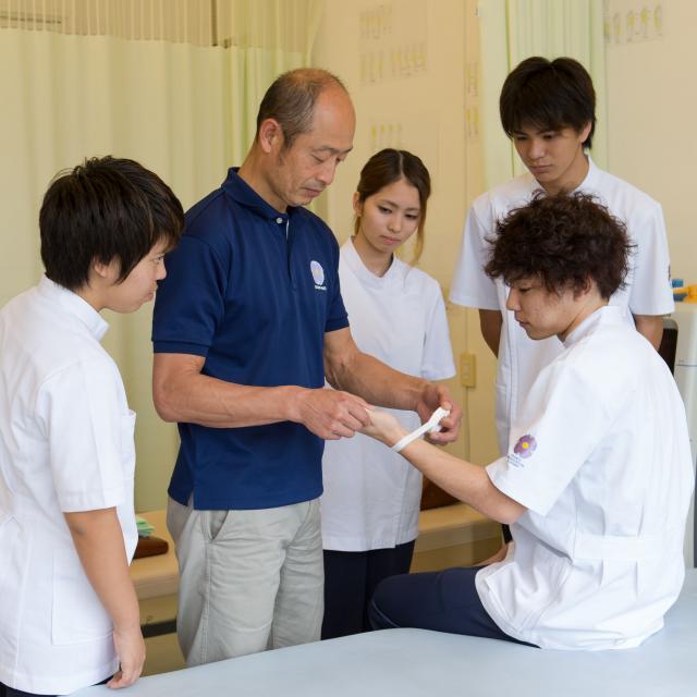 専門学校 琉球リハビリテーション学院 オープンキャンパス:メディカルスポーツ柔道整復学科(昼間主)1