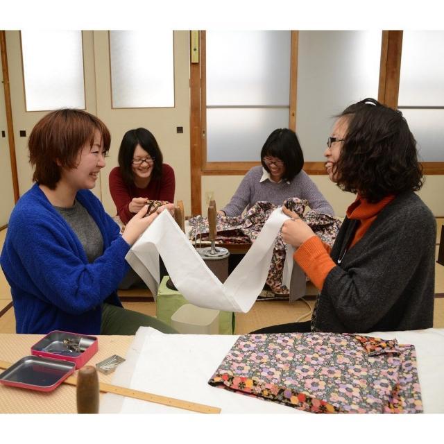 奈良きもの芸術専門学校 全国から入学のある「奈良きもの」を実感!手作り製作体験会1