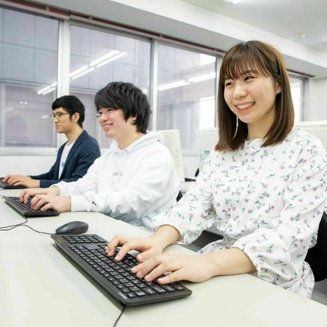 あいちビジネス専門学校 プログラマ&SEのおシゴト体験1