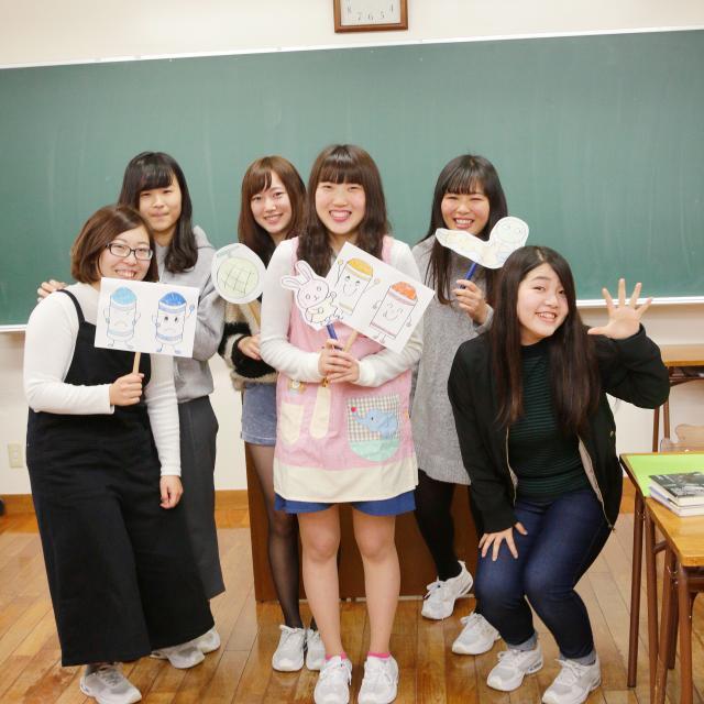 町田福祉保育専門学校 【保育系】盲導犬の理解&ペープサート3