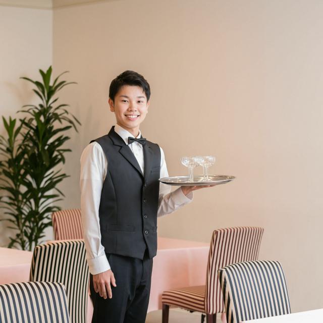 名古屋観光専門学校 【ホテル学科】高級レストランのサービス体験1