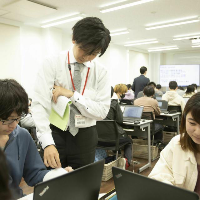 国際理工情報デザイン専門学校 【授業体験会】対象:情報システム科3