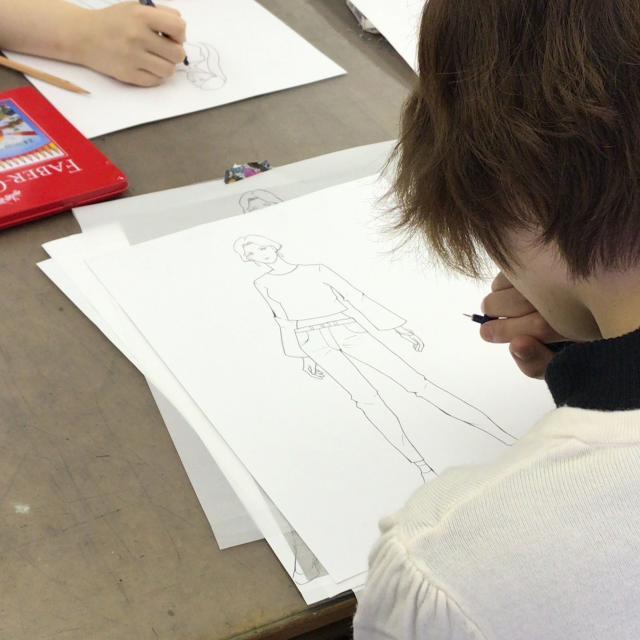 ファッション文化専門学校DOREME 初心者でも!ファッションデザイン画を描いてみよう!2