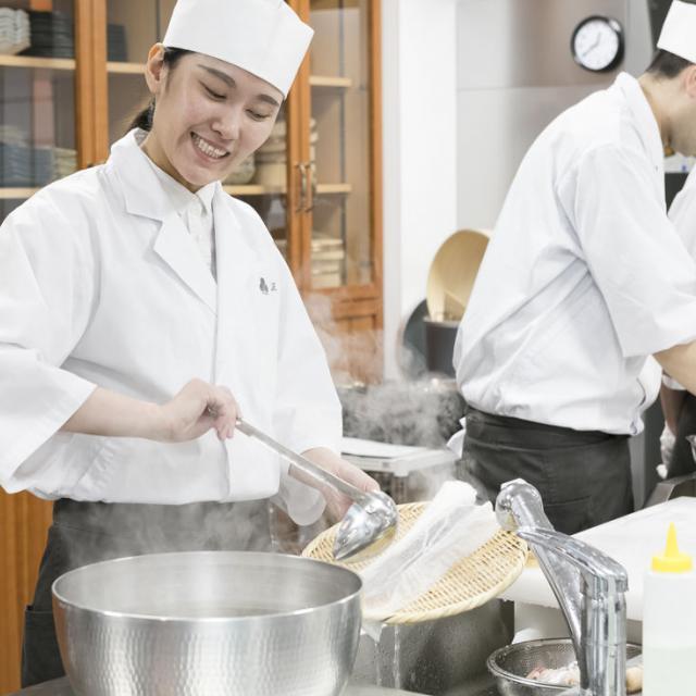 東京すし和食調理専門学校 すし・和食の魅力を体感!本格調理体験3