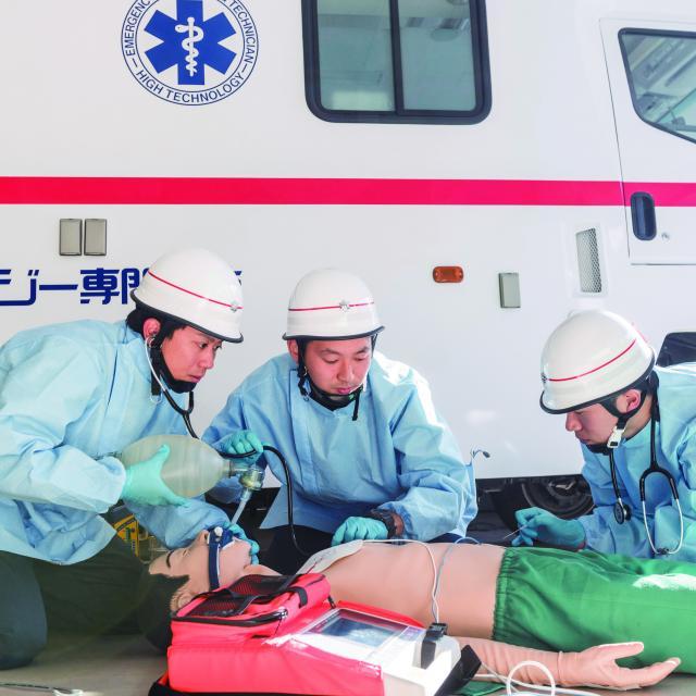 北海道ハイテクノロジー専門学校 日本初救命士養成校!道内救命士の70%がハイテク卒業生!1