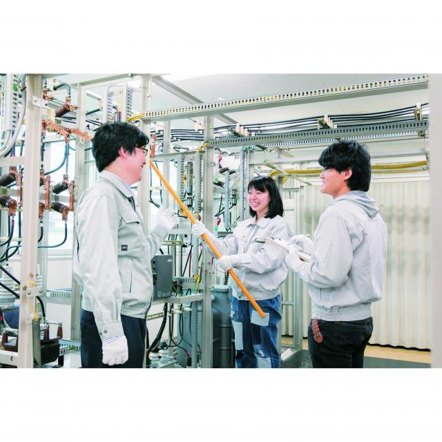 名古屋工学院専門学校 先生・在校生と学べるリアル電気体験~電気コース~1
