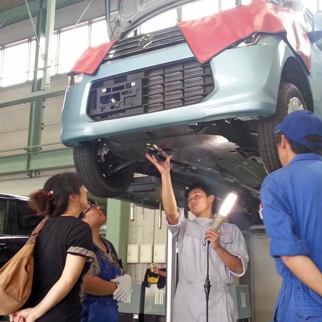 高崎自動車整備大学校 自動車のメンテナンス体験4