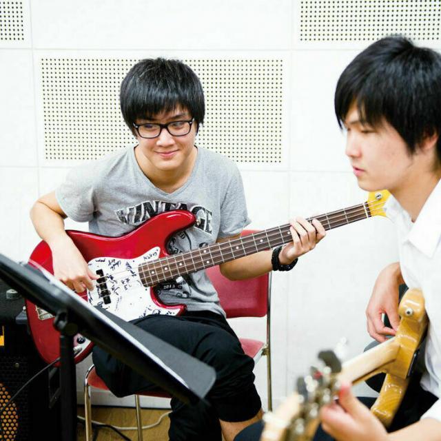 尚美ミュージックカレッジ専門学校 【プロミュージシャン学科】楽器別レッスンで友達と差をつける!2