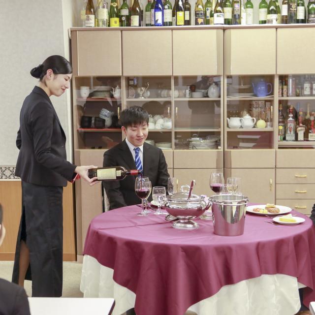 大阪外語専門学校 オープンキャンパス(ホテルの仕事)&ホテル説明会1