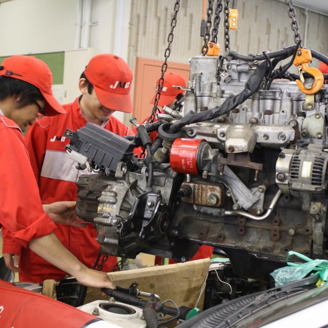 日本モータースポーツ専門学校大阪校 三級整備士資格の取得を目指そう!【三級整備士コース】1