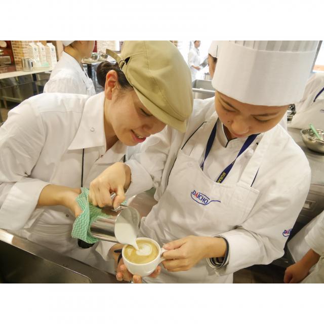 大阪調理製菓専門学校 【製パン】クロワッサンサンド2