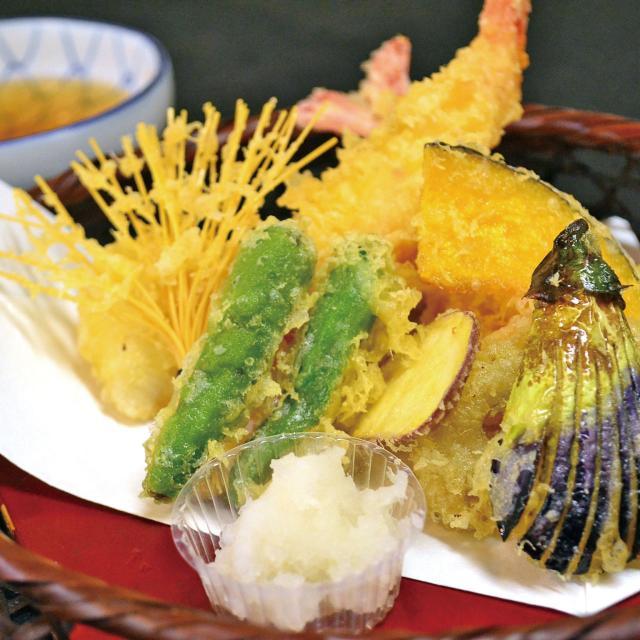 西武調理師専門学校 旬の魚と野菜の変わり揚げ1
