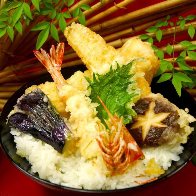 大阪調理製菓専門学校 【年末フェスタ開催】豪華盛り!海老と穴子の天ぷら丼1