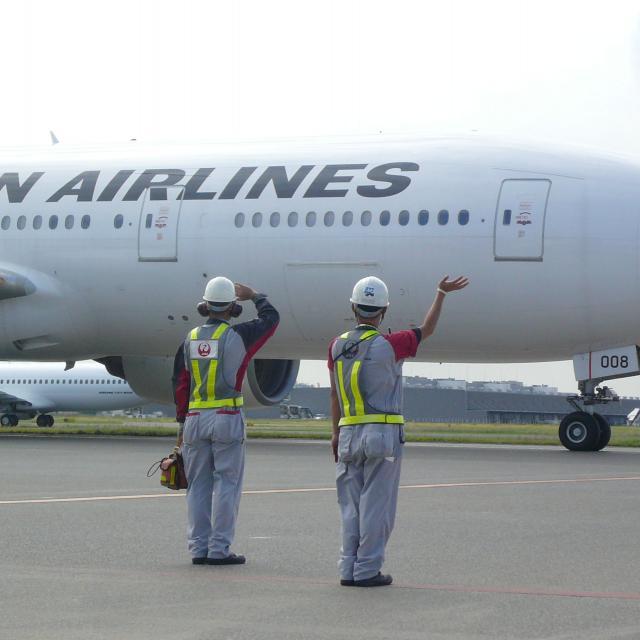 中日本航空専門学校 小松空港でCNAスクール開催決定!航空整備士の現場を見学!1