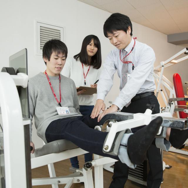 多摩リハビリテーション学院専門学校 スポーツ現場での理学療法士の関わり1