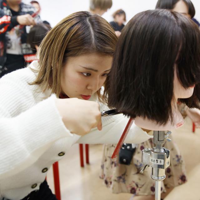 熊本ベルェベル美容専門学校 ベルェベルだから体験できる!楽しい実習がいっぱい♪3