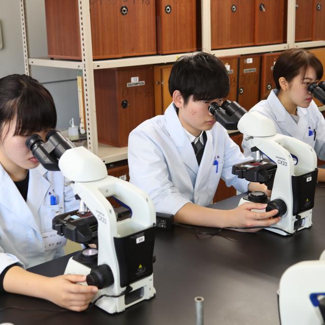 九州医学技術専門学校 「臨床検査科」の体験学習(お弁当つき♪)1
