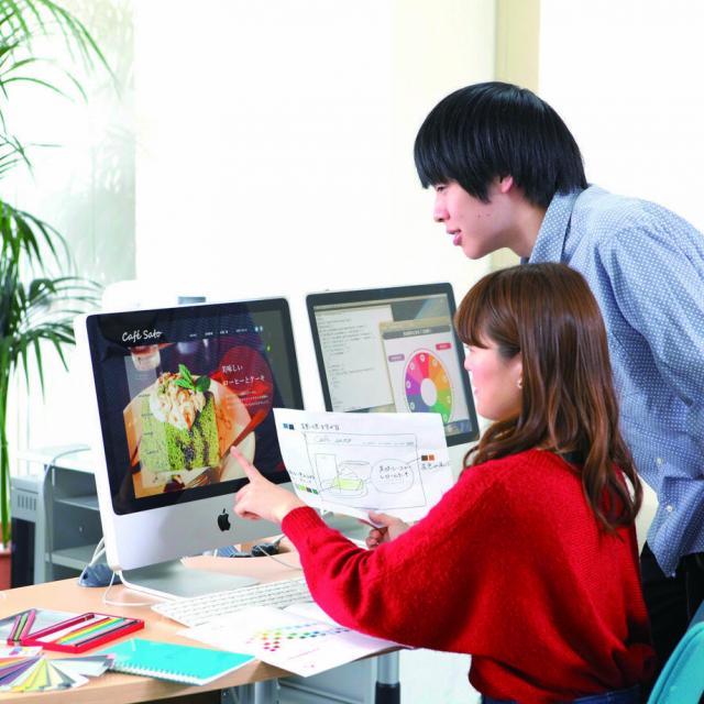 情報科学専門学校 【来校型】Webアプリを制作&デザイン1