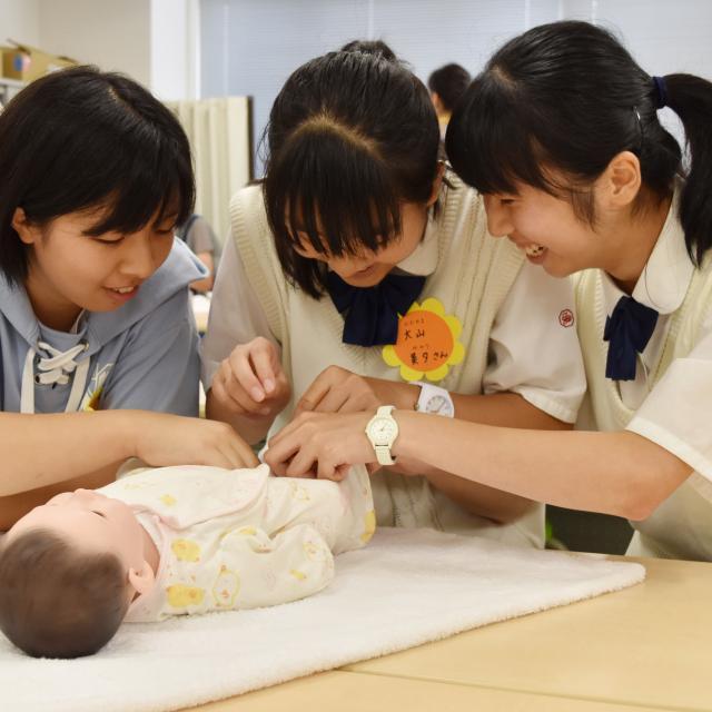 横浜保育福祉専門学校 体験入学 保育のお仕事プチ体験1