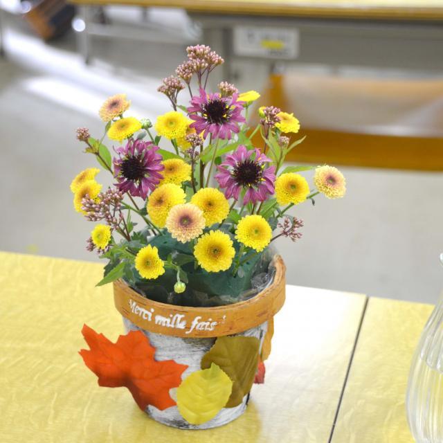 日本ガーデンデザイン専門学校 在校生が教える フラワーアレンジメント教室2