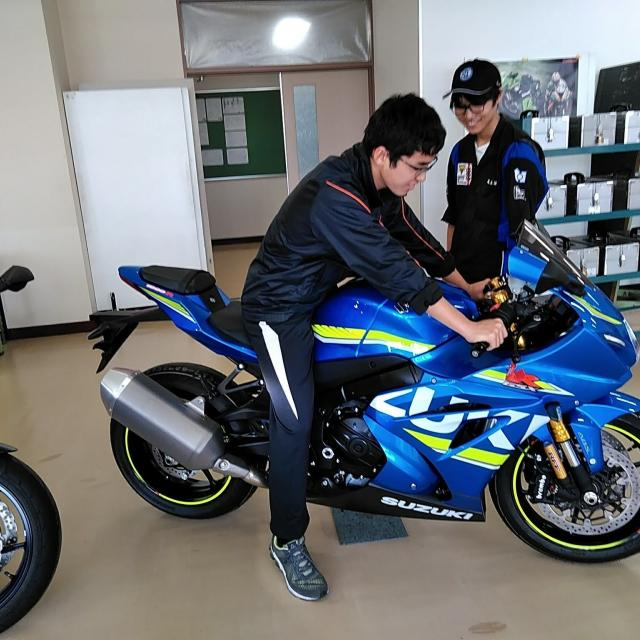 阪神自動車航空鉄道専門学校 バイクのプロによるバイク好きのためのオープンキャンパス!1