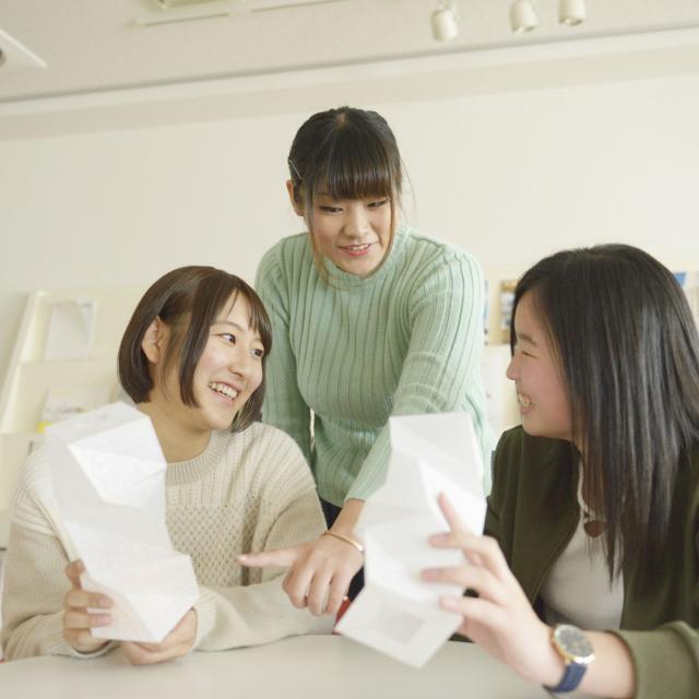 東海工業専門学校金山校 E:インテリア照明コース1