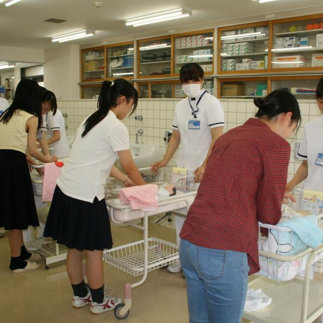 (専)京都中央看護保健大学校 【保健師ってどんな仕事?】1