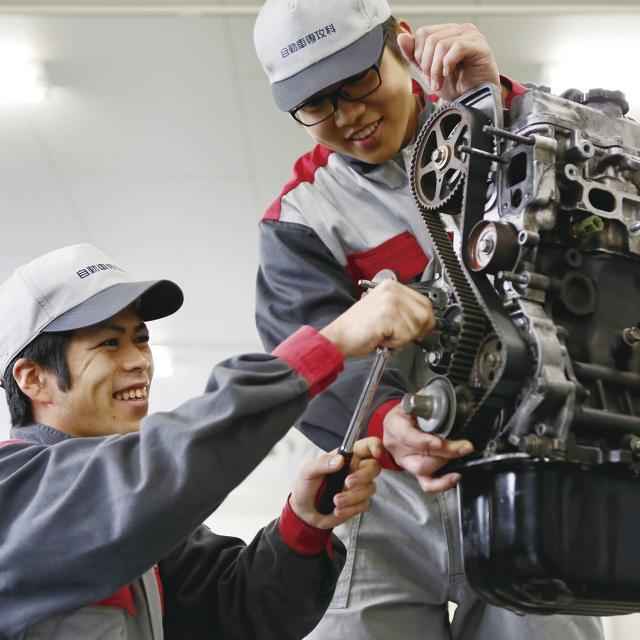 鹿児島キャリアデザイン専門学校 【自動車整備科】自動車整備士コース1