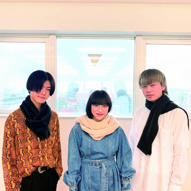 足利デザイン・ビューティ専門学校 ファッション科:スヌード・マフラー製作体験1