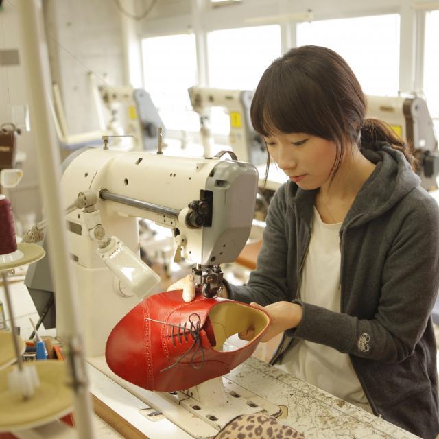 専門学校ヒコ・みづのジュエリーカレッジ モノづくり体験!アクセサリー制作に挑戦!3