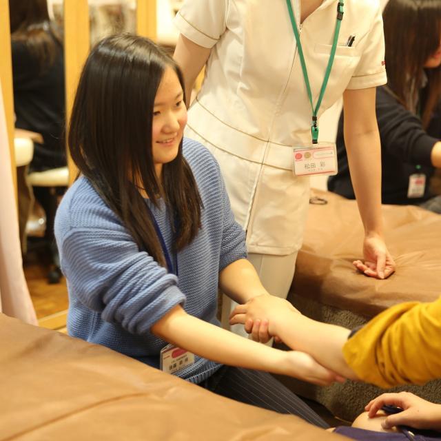 神戸ベルェベル美容専門学校 バレンタインにピッタリなヘアアレンジやメイクを体験しよう♪4