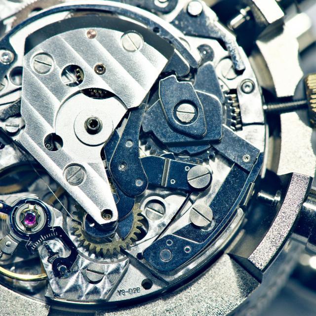 専門学校ヒコ・みづのジュエリーカレッジ大阪 スイス機械式時計分解・組立実習1