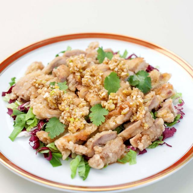 中村調理製菓専門学校 【調理コース】中華料理を美味しく作ろう♪若鶏の唐揚げ&担々麺1