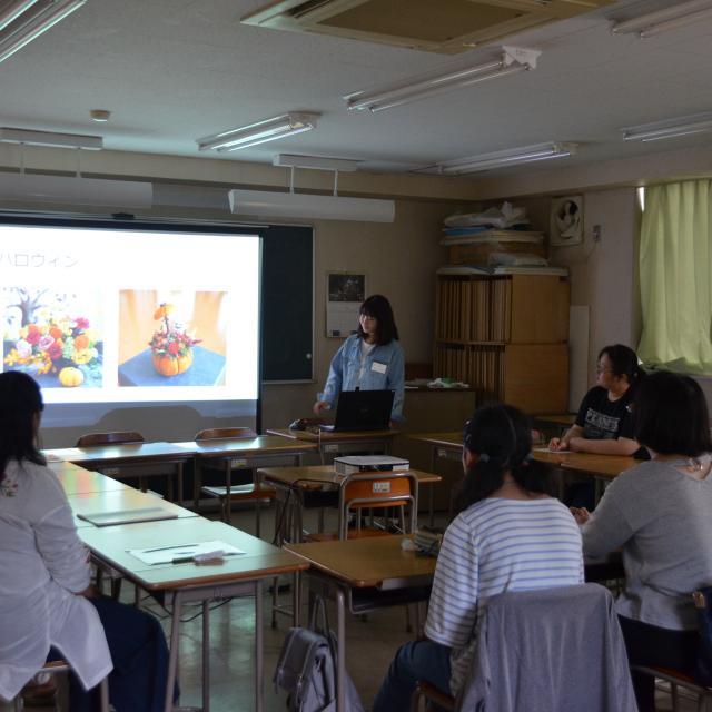 日本ガーデンデザイン専門学校 在校生が教える フラワーアレンジメント教室1