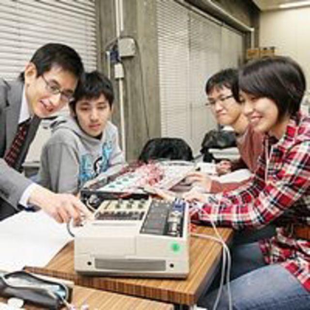 【電気電子】電力や情報伝送に精通した電気エネルギー技術者に