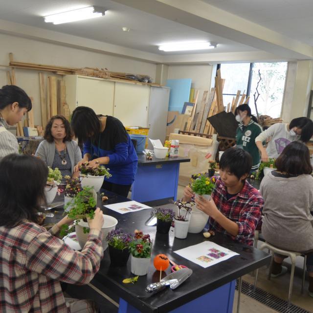 日本ガーデンデザイン専門学校 カラーレッスン・色から考える庭づくり4