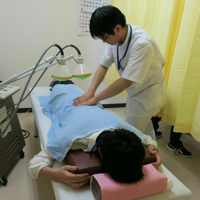 赤門鍼灸柔整専門学校 附属治療所での治療体験オープンキャンパス1