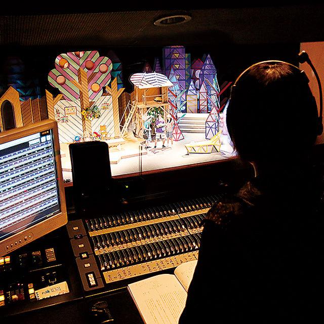 演劇照明の舞台裏を見てみよう!