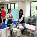神戸医療福祉専門学校中央校 【介護福祉士】気持ち良い足浴体験&介護フラダンスで楽しもう!