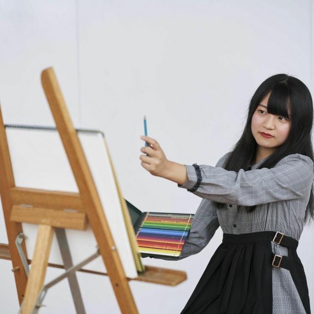 専門学校日本デザイナー学院 【夜開催】イラストが上達する!デッサン講座1