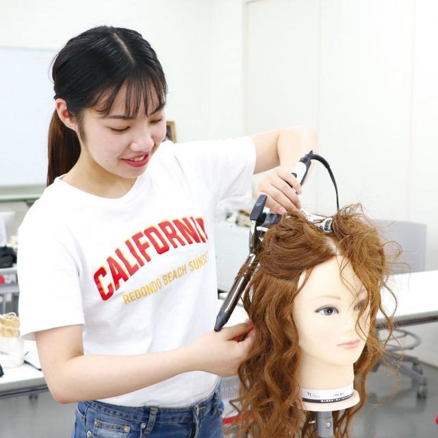 専門学校 九州スクール・オブ・ビジネス 11月の体験入学(メイク/エステ/モデルなど)2