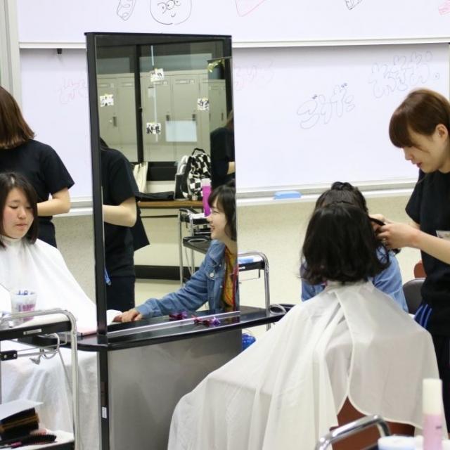 愛媛県美容専門学校 HIMEBI サロンDay 在校生から美容施術を体験☆彡4