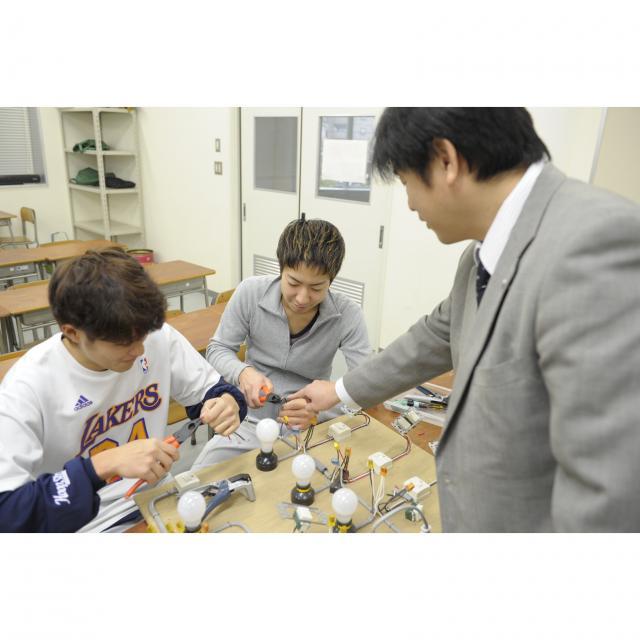 東海工業専門学校金山校 G:建築設備コース2