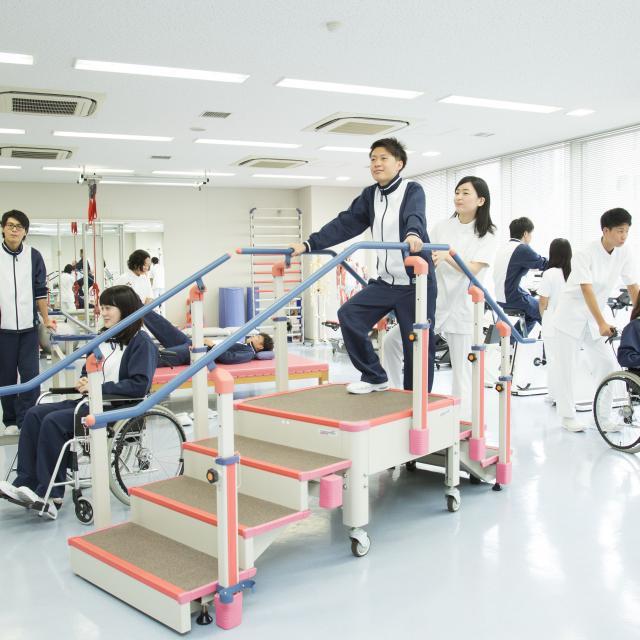 AST関西医科専門学校 ◆理学療法士◆土曜【午後】進路を決める学校見学4