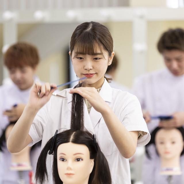 鎌倉早見美容芸術専門学校 アットホームな雰囲気で美容体験★OPEN CAMPUS1