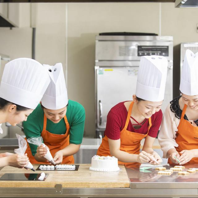 国際製菓専門学校 デコレーション講座♪4