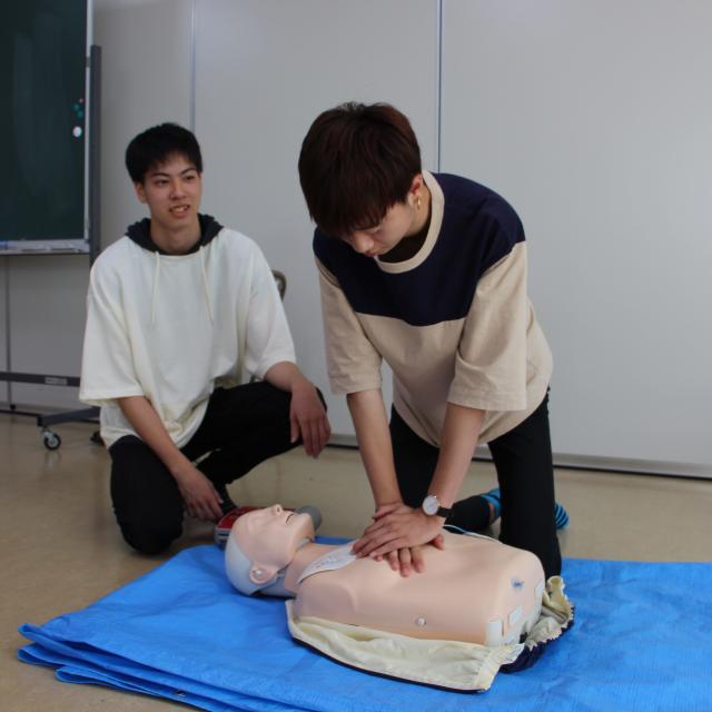関西社会福祉専門学校 □■ AEDとは ■□2