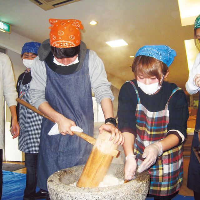 大阪保育福祉専門学校 法人内施設の子どもと一緒にお正月遊びを楽しもう♪1